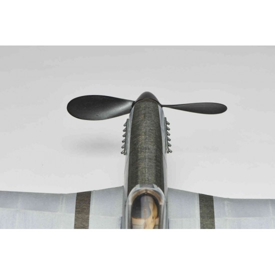 Aeromodel din balsa pentru zbor liber P-51D Mustang